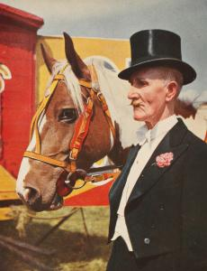 _1__Press_Image_l_Mass_Observation_l_This_is_your_Photo_l_John_Hinde_l_From_British_Circus_Life__1948_51e67de0d5eb6