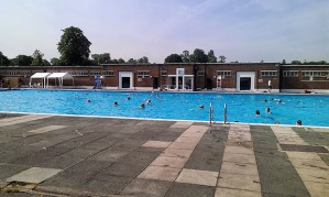 brockwell-park-lido-july-2013-1
